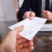 Comment se faire payer un chèque sans provision ?